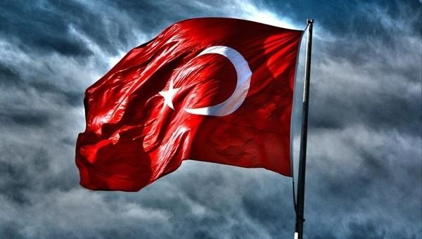 Galatasaraylı futbolculardan bayrak ile mesaj!