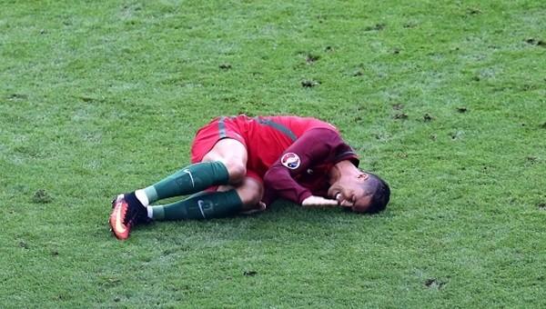 İzlanda'dan EURO 2016 finalinde sakatlanan Cristiano Ronaldo'ya mesaj