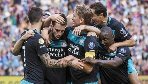 Johan Cruyff kupası PSV'nin