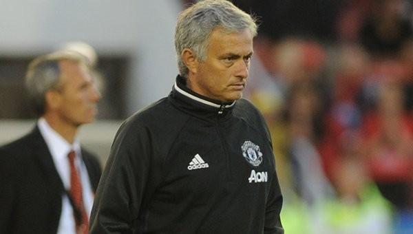 Jose Mourinho: 'Dünyanın en iyi sağ beki bizde'