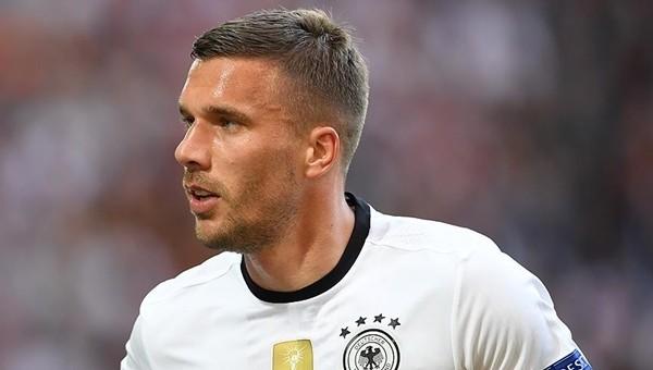 Lukas Podolski, milli takımı bırakıyor mu?