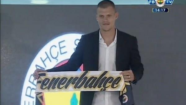 Martin Skrtel, Fenerbahçe'ye imzayı attı