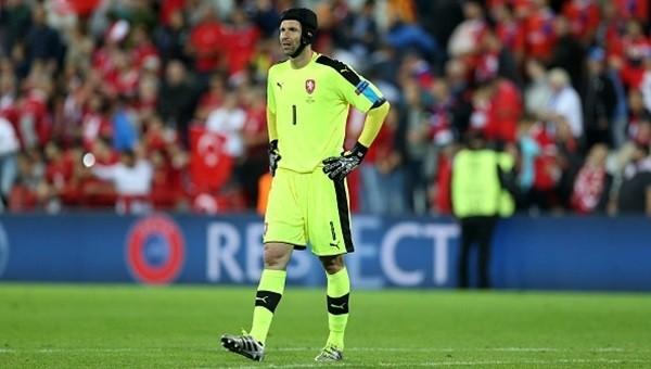 Petr Cech, emekli oldu!