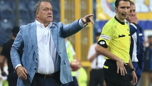Advocaat'tan Galatasaray derbisinde Kjaer tercihi