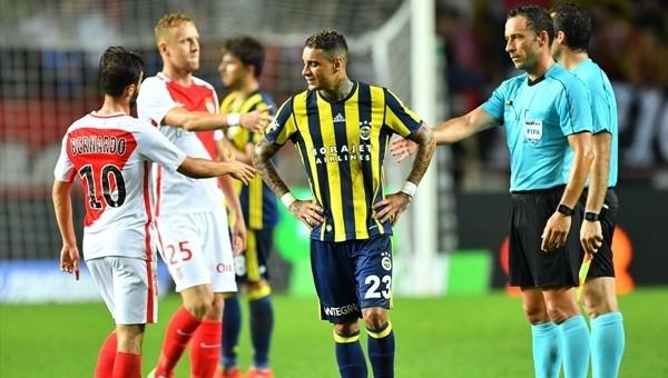Fenerbahçe'nin penaltı isyanı! Elle oynama...