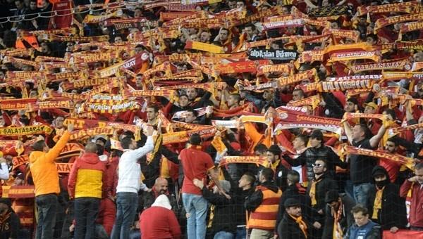 Galatasaray kombine fiyatlarını indirdi