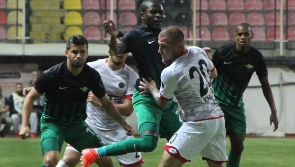 Akhisar Belediyespor 0-0 devam ediyor