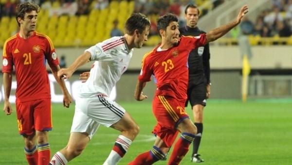 Aras Özbiliz milli maçta sakatlandı
