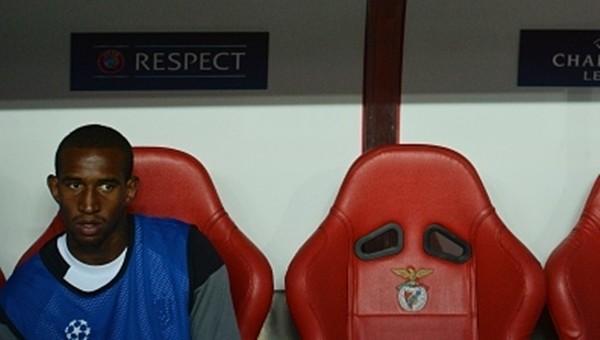Talisca, Benfica taraftarlarını ikiye böldü
