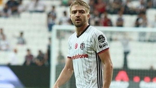Caner Erkin, İsmail Köybaşı'yı tek maçla geride bıraktı