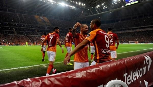 Wesley Sneijder, Çaykur Rizespor'u yine boş geçmedi