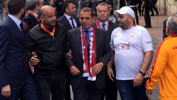 Dursun Özbek'ten derbi öncesi taraftarlara mesaj