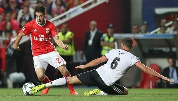 Dusko Tosic,Benfica maçında alkış topladı