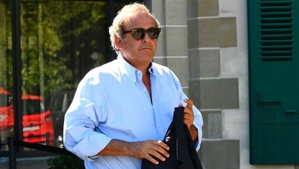 FIFA Platini'nin katılımına izin verdi