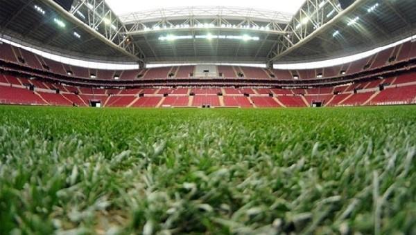 Galatasaray hibrit çime geçiyor