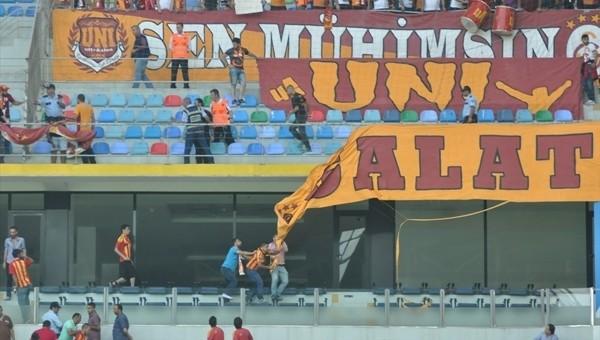 Galatasaray pankartını yırttılar