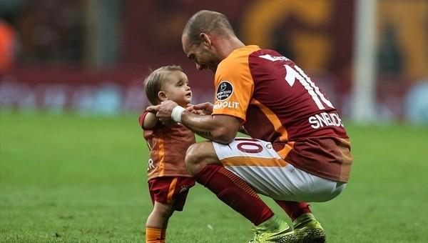 Galatasaray'dan Wesley Sneijder'e özel pasta