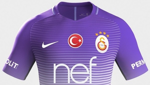 Galatasaray'ın 3. forması resmen tanıtıldı