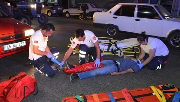 İstiklal marşı için duran yayaya araba çarptı