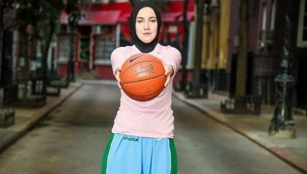 Kadın basketbolcuya başörtü izni