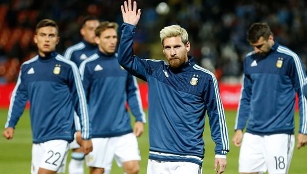 Lionel Messi futbolu Arjantin'de bırakacak