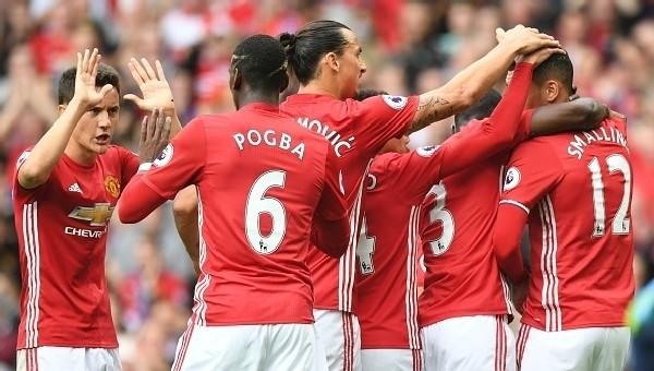 Manchester United'a 45 dakika yetti
