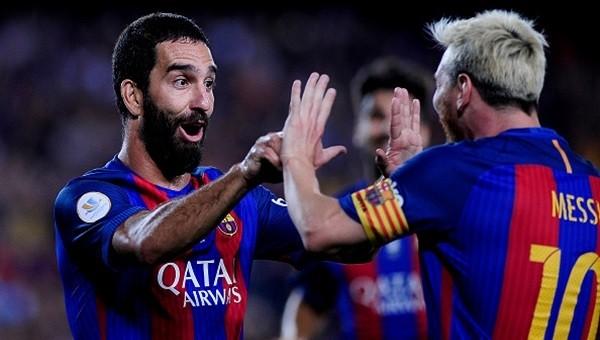 Messi ve Arda imzalı forma dağıtacak