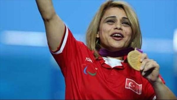 Nazmiye Muratlı, Rio 2016 Paralimpik'te dünya rekoru kırdı