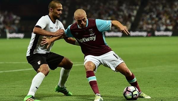 Nouma ve Gökhan Töre'den Beşiktaş'a destek