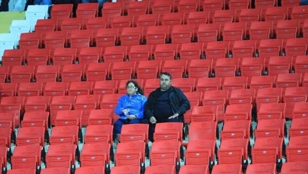 Süper Lig'de 2 maçı 5 bin kişi izlemedi