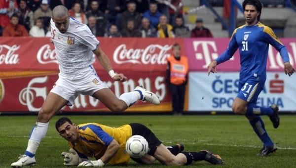 Tarihi golün asisti Milan Baros'tan