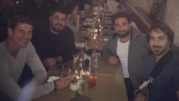 Veli Kavlak, Mario Gomez ile buluştu