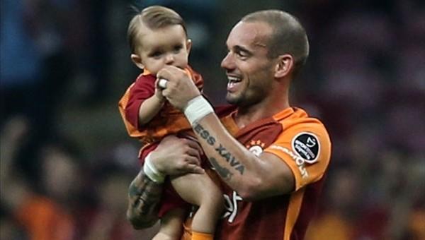 Sneijder'den Fenerbahçe'ye gönderme