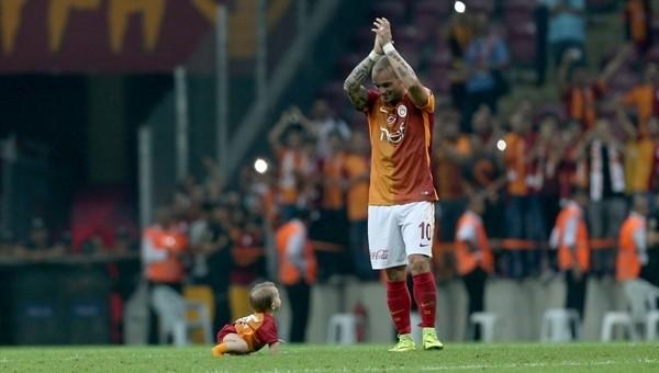 Xess Xava, Galatasaray tribünlerine üçlü çektirdi