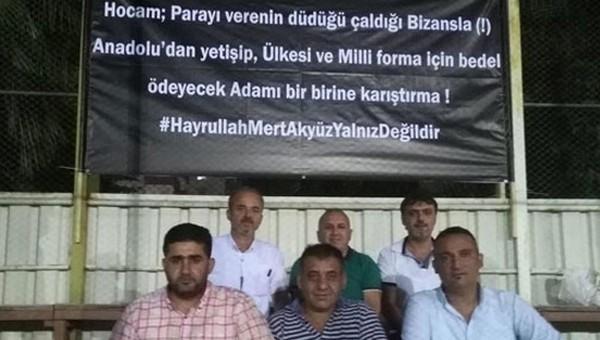 Adanasporlu taraftarlardan Ahmet Çakar'a tepki