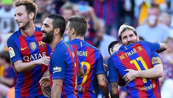 Arda'lı Barcelona, Emre'li Deportivo'yu farklı geçti