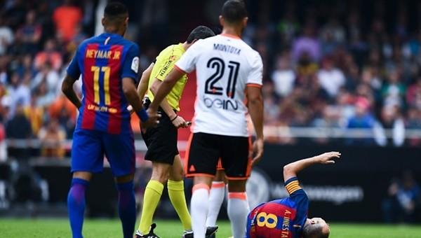 Barcelona'da İniesta şoku