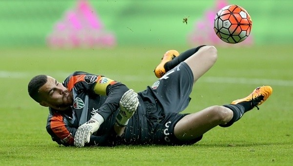 Bursaspor Milli kalecisiyle sözleşme uzattı
