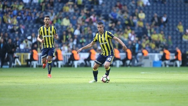 Fenerbahçe'ye gündüz maçı yaramıyor