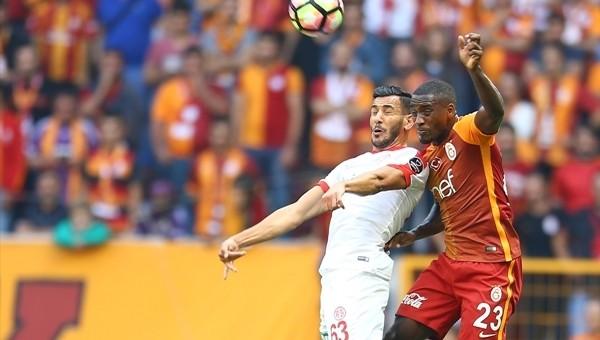 Galatasaray kalesine çekilen ilk şut gol oldu