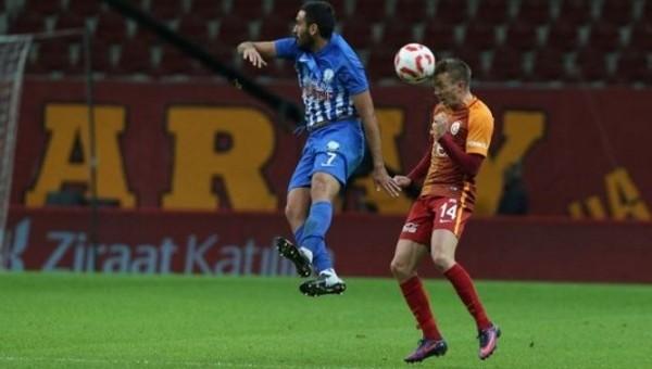 Galatasaray'da yeni sol bek bulundu