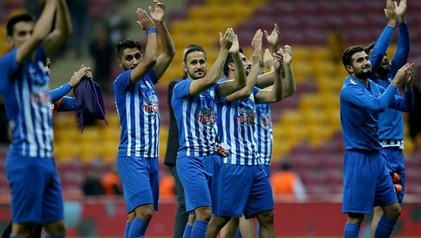 Galatasaray ve Dersimspor arasında dostluk rüzgarları