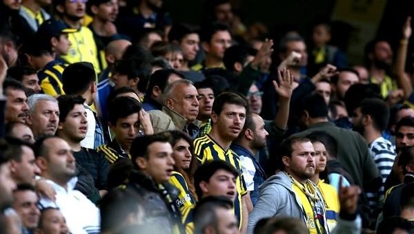 Kadıköy maç sonu istifa sesleriyle inledi