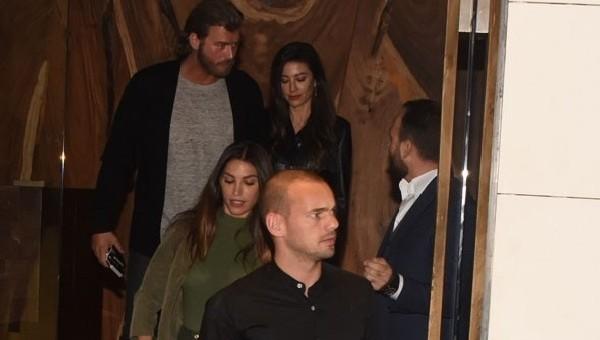 Kıvanç Tatlıtuğ ve eşi, Sneijder - Yolanthe çiftiyle yemekte