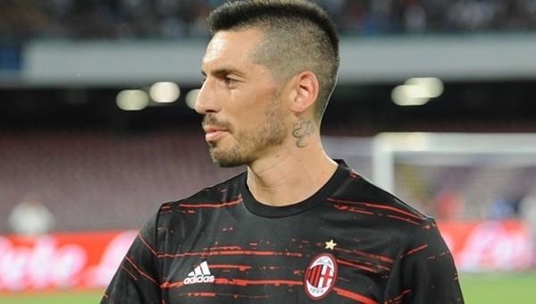 Milan, Jose Sosa'yı yedek kulübesinde unuttu