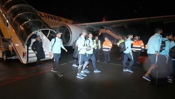 Milli Takım, İzlanda'ya ulaştı! 7 saat