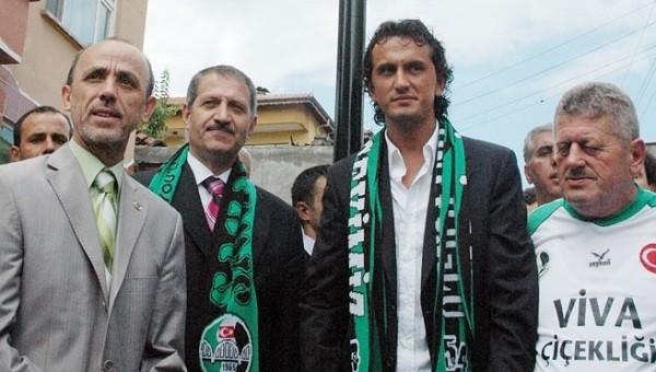 Sakaryaspor'un yeni teknik direktörü Tuncay Şanlı'dan imza töreninde çağrı