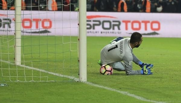 Volkan Babacan gollerin yarısını penaltıdan yedi