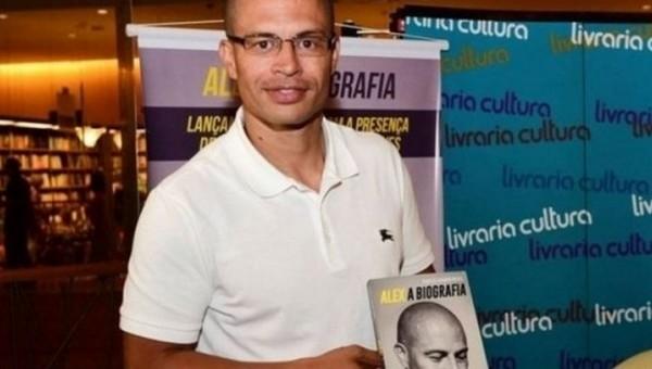 Alex de Souza'dan Fenerbahçe'ye mesaj