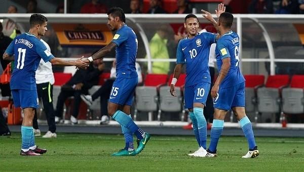 Brezilya, Peru deplasmanında kazandı